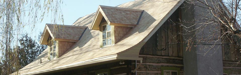 toiture bardeau de c dre toiture en chaume couvretoit dr. Black Bedroom Furniture Sets. Home Design Ideas